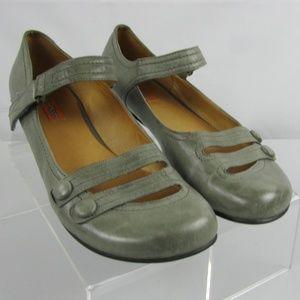 Miz Mooz Devi Green Leather Flat Mary Jane Size 8